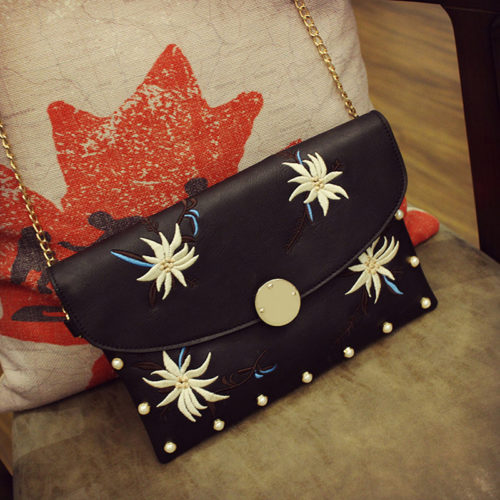 Fashion embroidery pink leather small clutch bag for women